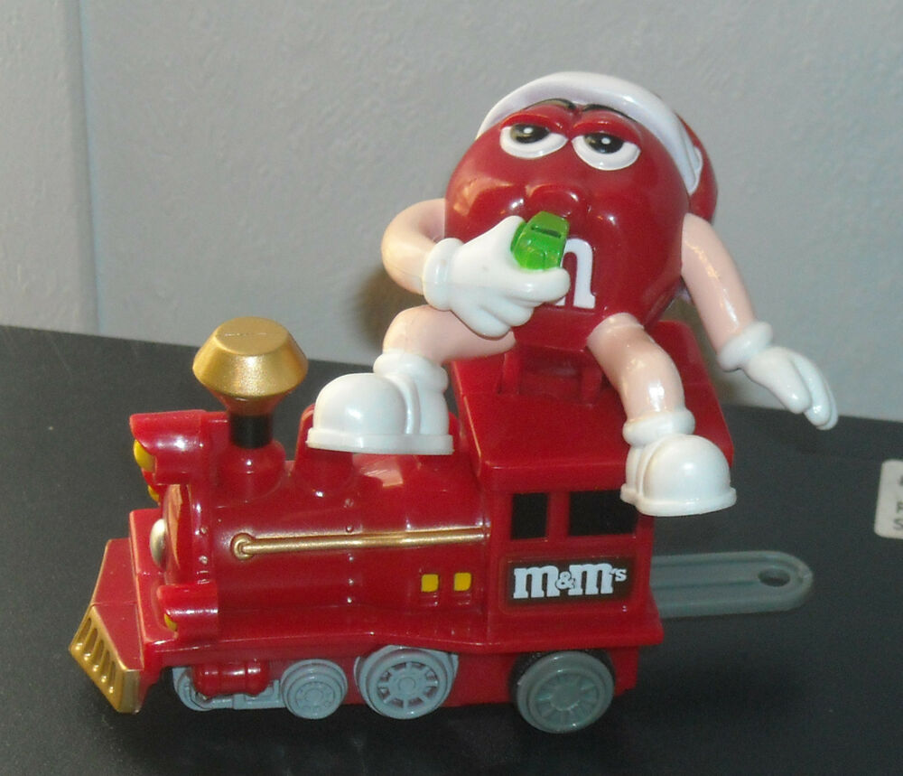 red m m 39 s mars candy 2005 train red engine ornament. Black Bedroom Furniture Sets. Home Design Ideas