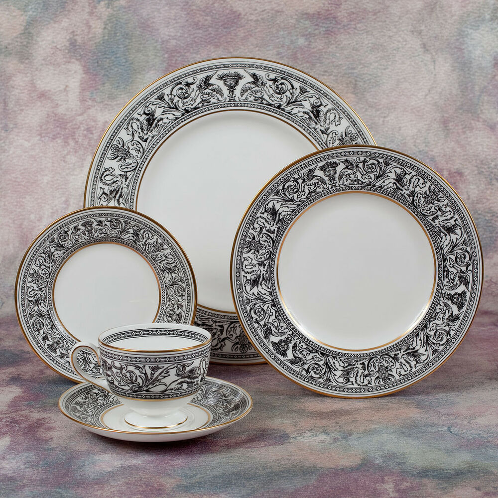 wedgwood bone china 5 pc place setting florentine black dragon pattern w4312 ebay. Black Bedroom Furniture Sets. Home Design Ideas