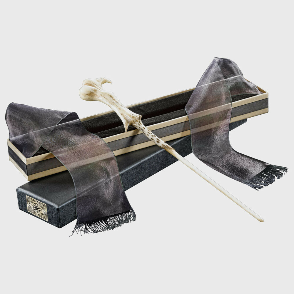Harry potter lord voldemort wand in ollivanders box the for Dumbledore s wand with ollivanders box
