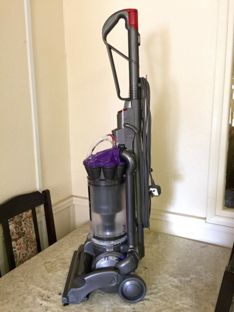 Dyson Dc33 Animal Bagless Upright Cyclonic Hepa Vacuum