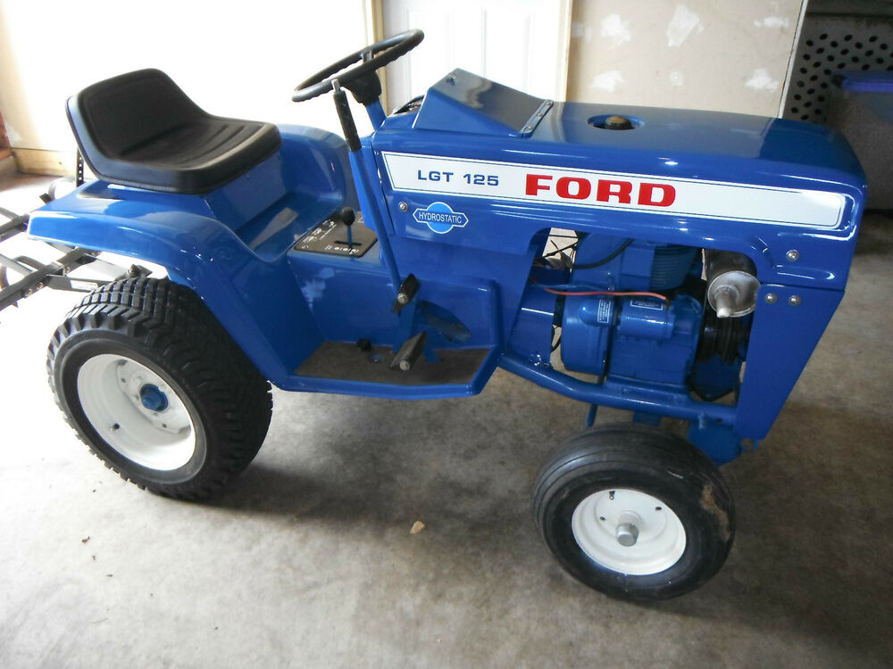 Ford lgt 125 garden tractor ebay for Ford garden tractor