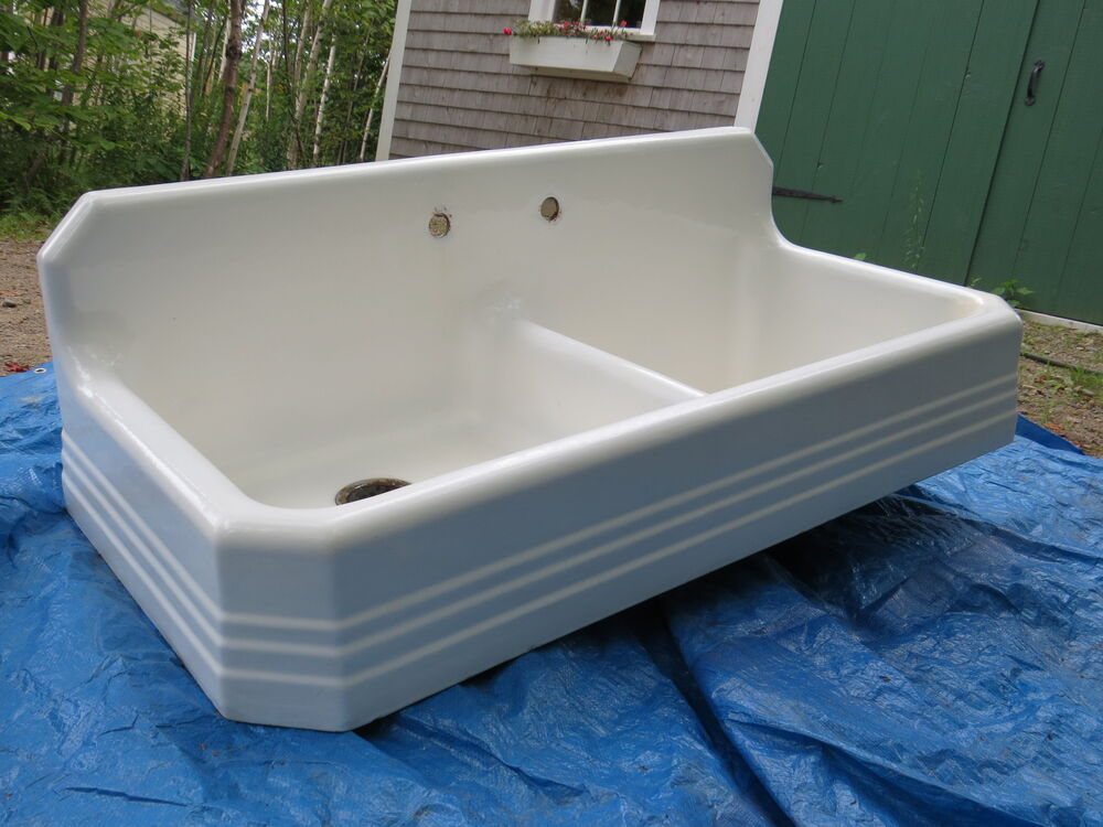 Farmhouse Kitchen Sink With Drainboard : ... 1939 CAST IRON Farm FARMHOUSE KITCHEN SINK w/ LEGS & DRAINBOARD eBay