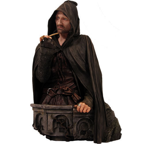 Lord Of The Rings Giant Statues