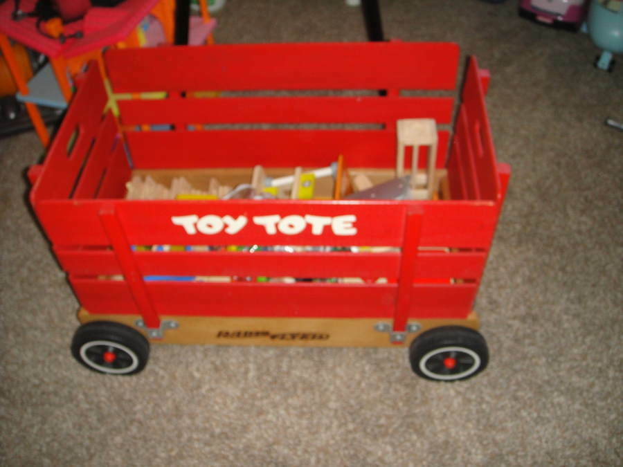 very rare radio flyer red wooden toy box on wheels toy tote ebay. Black Bedroom Furniture Sets. Home Design Ideas