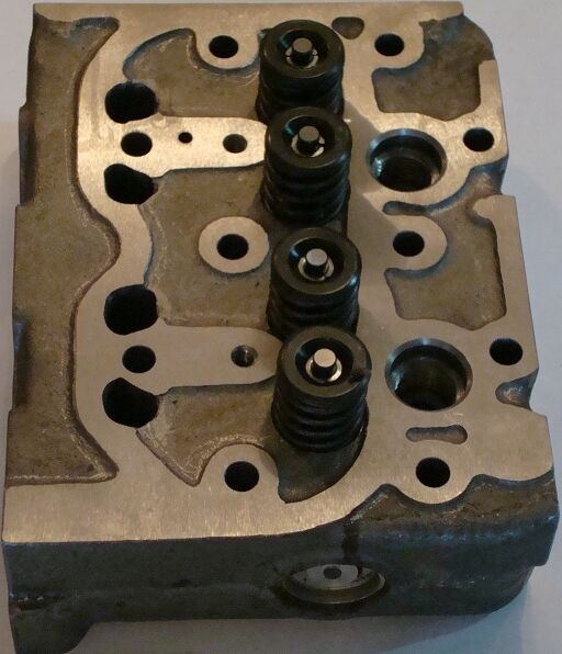 Kubota L185 Parts : Kubota l cylinder head complete with valves for z