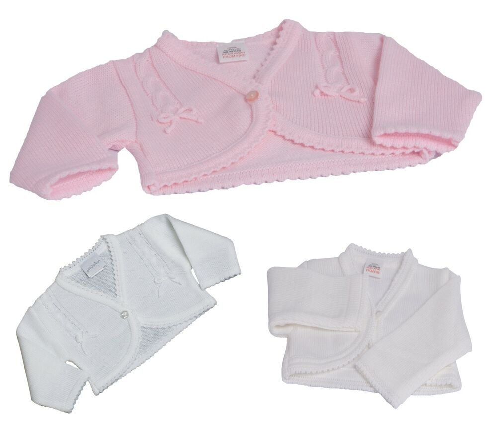 Effortlessly pair a knitted cardigan with Ralph Lauren's baby girls' bottoms and shoes for the perfect ensemble. Sweaters & Cardigans for Baby Girls Explore our super-soft collection of luxury baby girl sweaters and cardigans and keep your little one warm and cozy in Ralph Lauren's tops and sweaters.