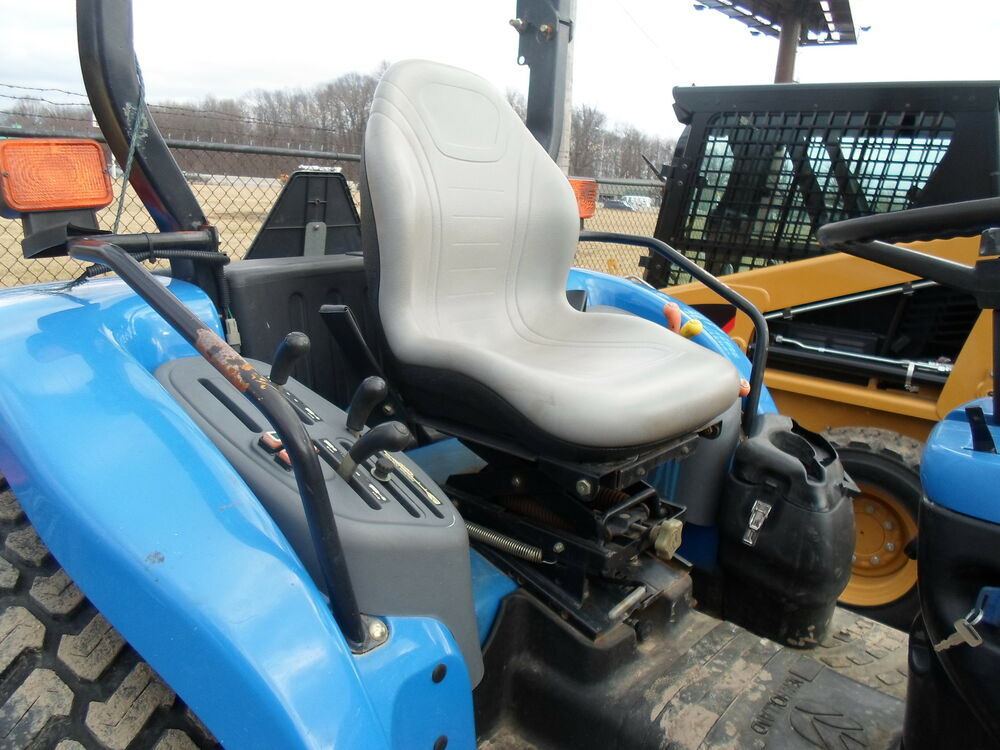 New Holland Tractor People : Gray seat ford new hollland tractors tc d