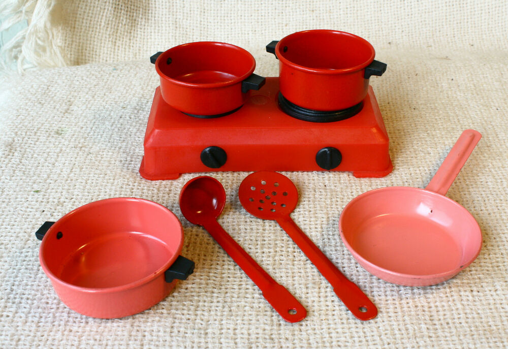 Vintage 70 s soviet russian doll dollhouse tin kitchen set for Kitchen set cicilan 0