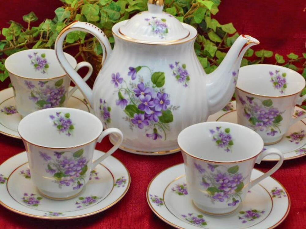 violet flowers porcelain tea set tea pot and four cups and saucers made in usa ebay. Black Bedroom Furniture Sets. Home Design Ideas