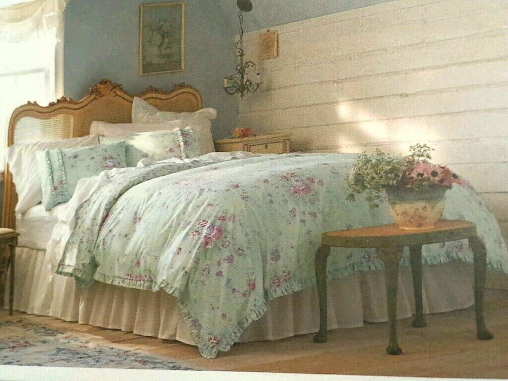 Shabby S: Simply Shabby Chic Vintage Cottage Ruffle Rose Duvet Cover