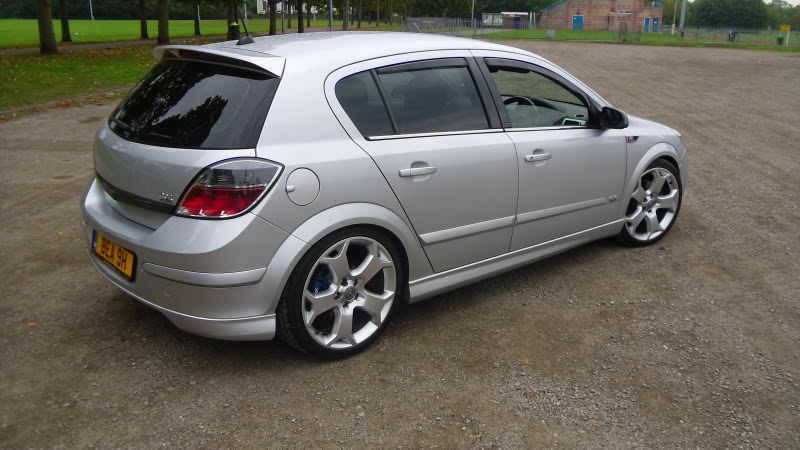 vauxhall opel astra h 5 door before 2007 body kit fr. Black Bedroom Furniture Sets. Home Design Ideas