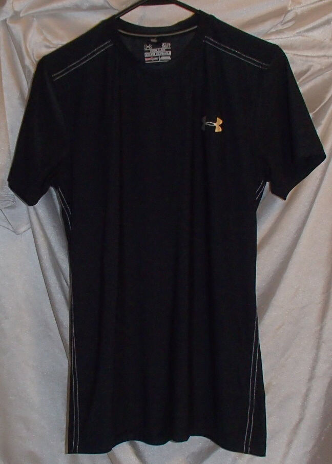 Under armour heat gear polyester elastane fitted running for Do under armour shirts run small