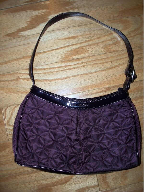 Lovely Vera Bradley Plum Wine Eggplant Quilted Nylon Purse