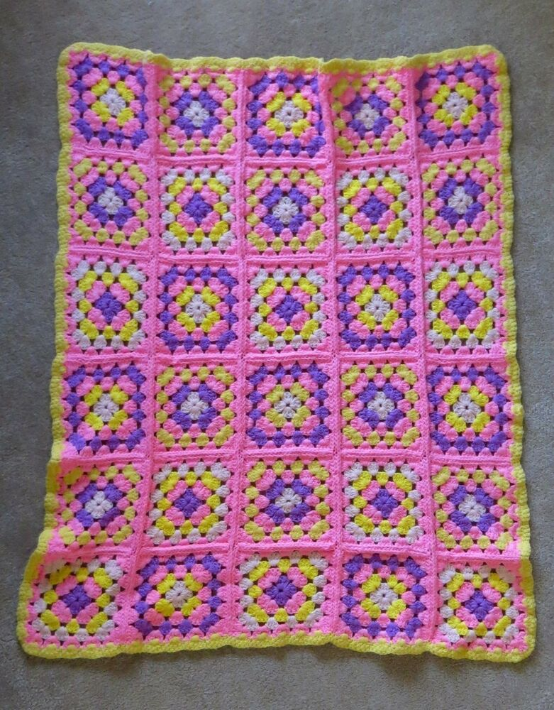 afghan knit crochet granny square flowers yellow pink purple 36 x 44 baby girl ebay. Black Bedroom Furniture Sets. Home Design Ideas