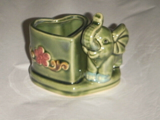 Adorable Baby Elephant Heart Pot Floral Planter Trunk Up