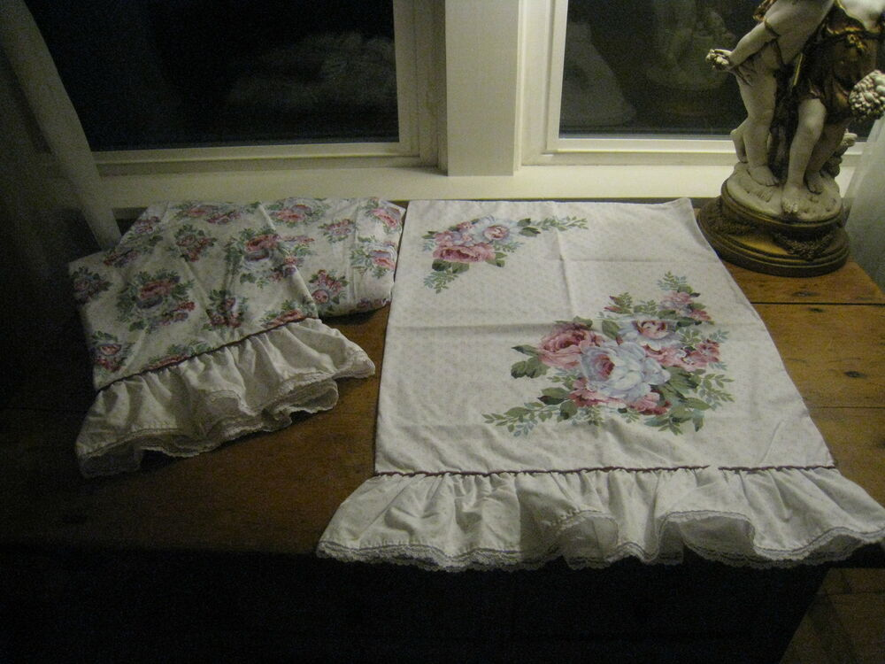 Bountiful Of Flowers Ruffles Twin Set Of Sheets Fitted