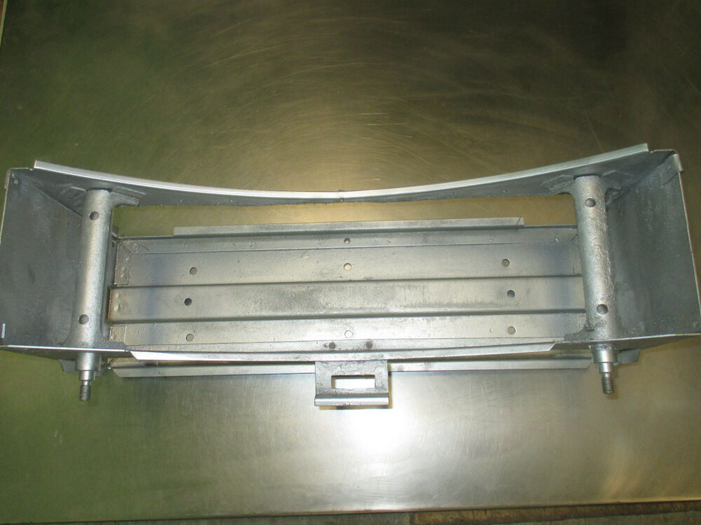 Air Duct Supports : Air duct roller support assembly with shaft huebsch