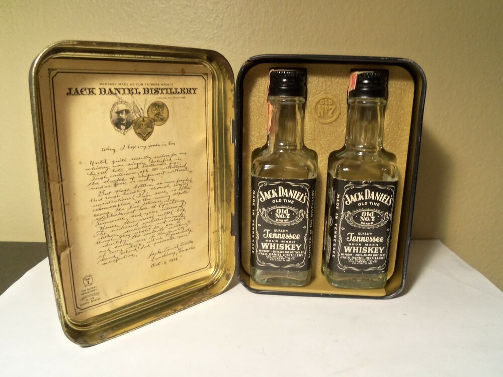 jack daniel 39 s tin w 2 1 10th pint bottles 90 proof 1978 ebay. Black Bedroom Furniture Sets. Home Design Ideas