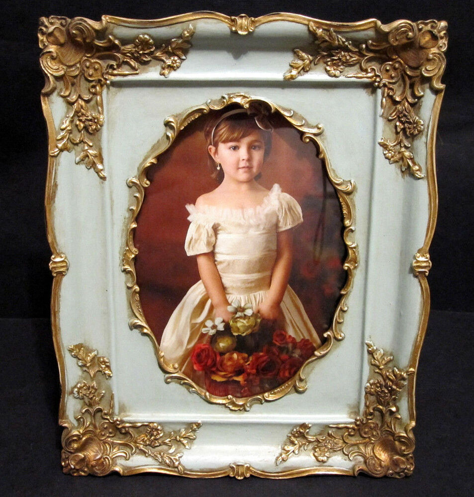 Antique looking gold victorian style 5 x 7 oval picture for Small vintage style picture frames