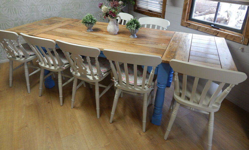 Large rustic farmhouse oak kitchen dining table extending for Oak farmhouse kitchen table and chairs