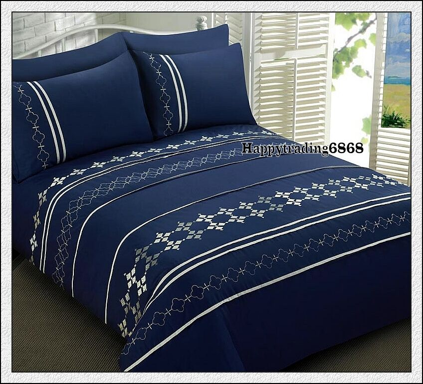 280tc Navy Silver Embroidery Pintuck Panel 3pc King Quilt