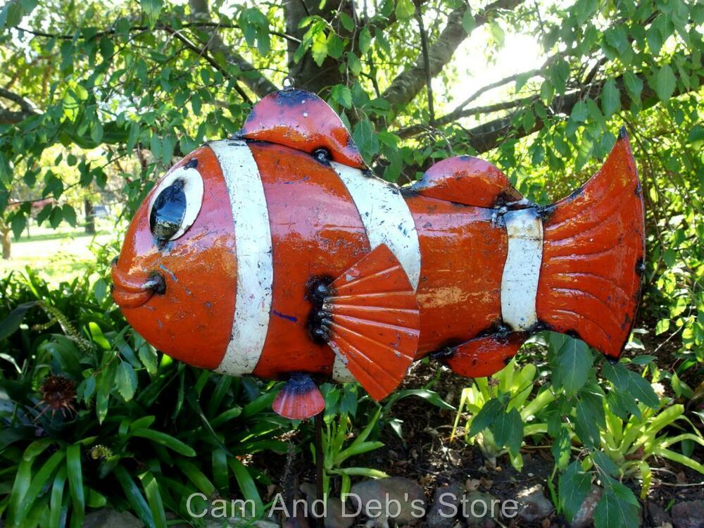 Eeieeio metal bozo the clown fish garden decor sculpture for Fish garden statue