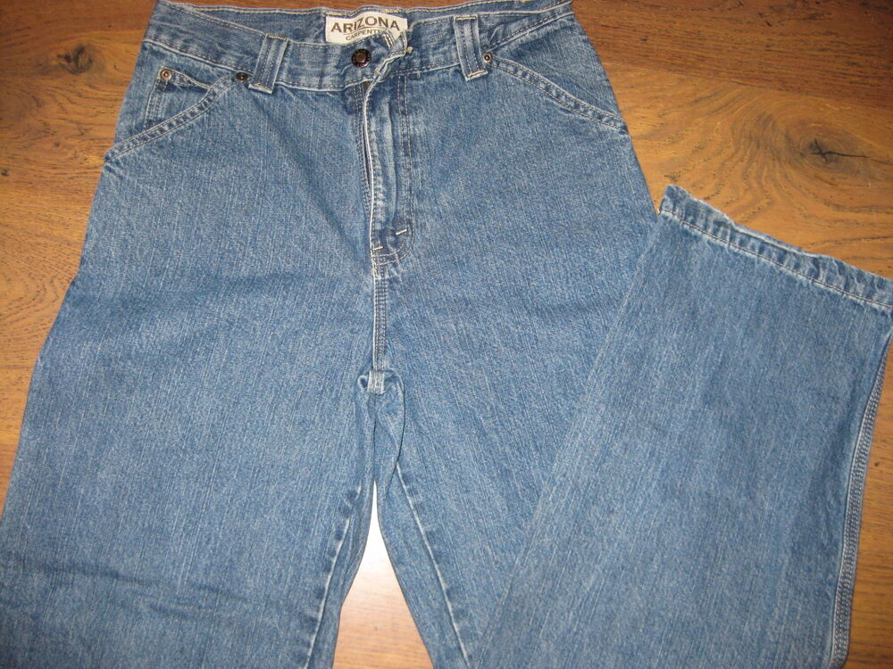 Arizona jean designers always strategically tear the distressed jeans so that consumers can continue to wear the products following multiple washes. The traditional Arizona jeans also are practical because they're easy to wash and maintain.