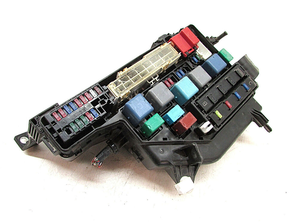 How To Open Fuse Box Prius : Toyota prius fusebox fuse box under hood oem