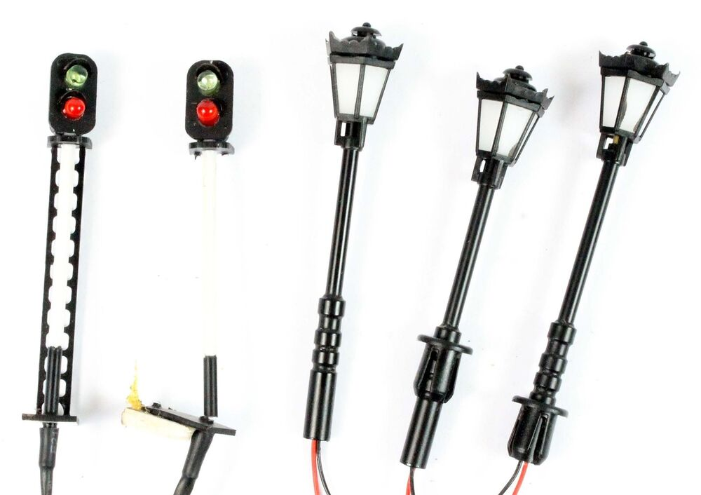 oo gauge colourlight signals  u0026 streetlamps