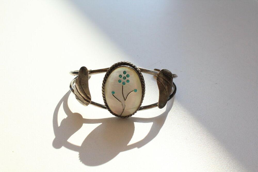 Oval Mother Of Pearl Flower Inlay Sterling Silver Cuff Vintage Bracelet 0474 Ebay