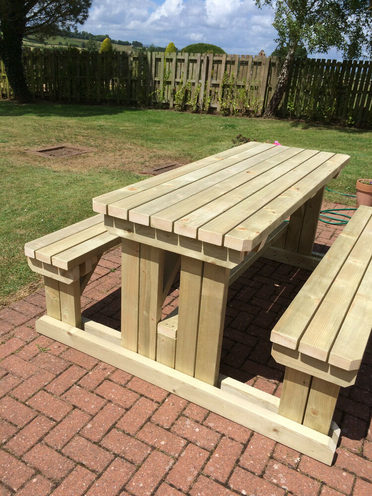 Garden Walk Dining: HEAVY DUTY WOODEN WALK-IN GARDEN/PUB PICNIC TABLE