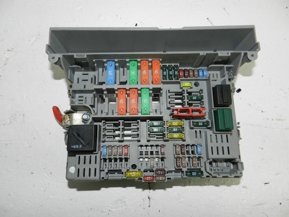 bmw 1 3 series e81 e87 e90 e91 fuse box 6906621 ref737 ebay. Black Bedroom Furniture Sets. Home Design Ideas