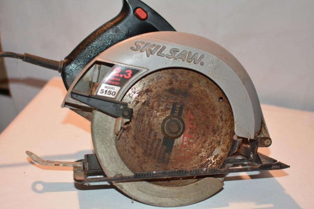 Skilsaw Corded Circular Saw 5150 7 1 4 Blade 10 Amps Safety Lock Blade Cover Ebay