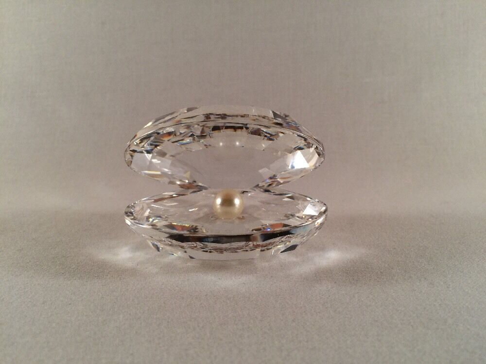 SWAROVSKI Crystal OPEN CLAM SHELL WITH PEARL, Item # 7624 ... Open Clam