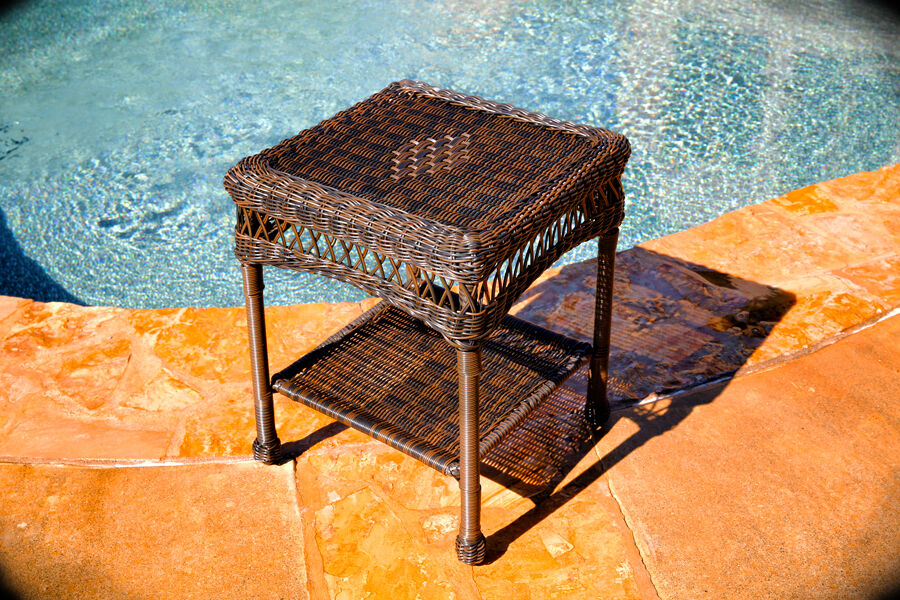 wicker outdoor side table brown resin wicker ebay. Black Bedroom Furniture Sets. Home Design Ideas