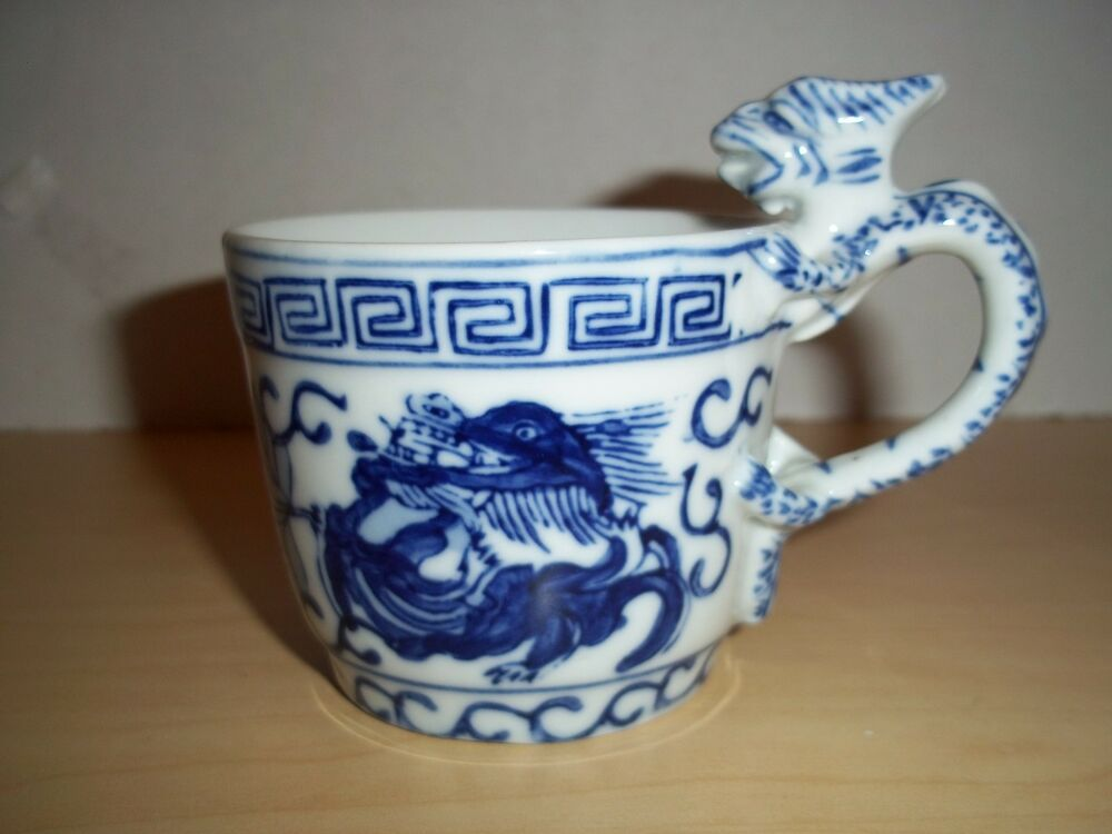 Vintage Handpainted Chinese Blue Amp White Dragon Handle