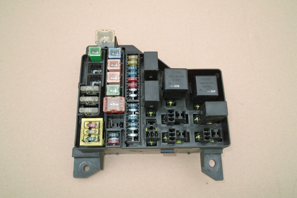 Genuine volvo s v under bonnet fuse box