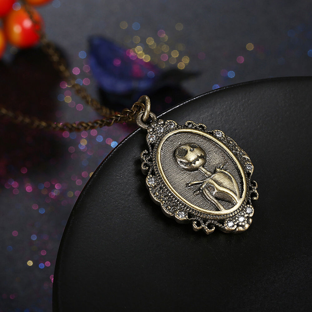 Cool Nightmare Before Christmas Gifts: THE NIGHTMARE BEFORE CHRISTMAS Jack Vintage Pendant