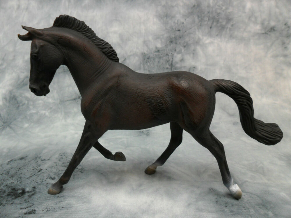 CollectA 88634 Bay Thoroughbred Race Horse Model 1:12 Toy ...  Thoroughbred Toys