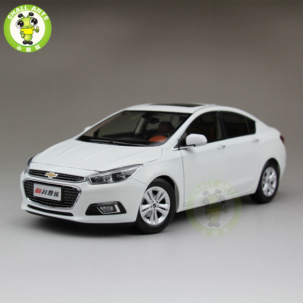 1:18 Chevrolet New Cruze 2015 Diecast Car Model White