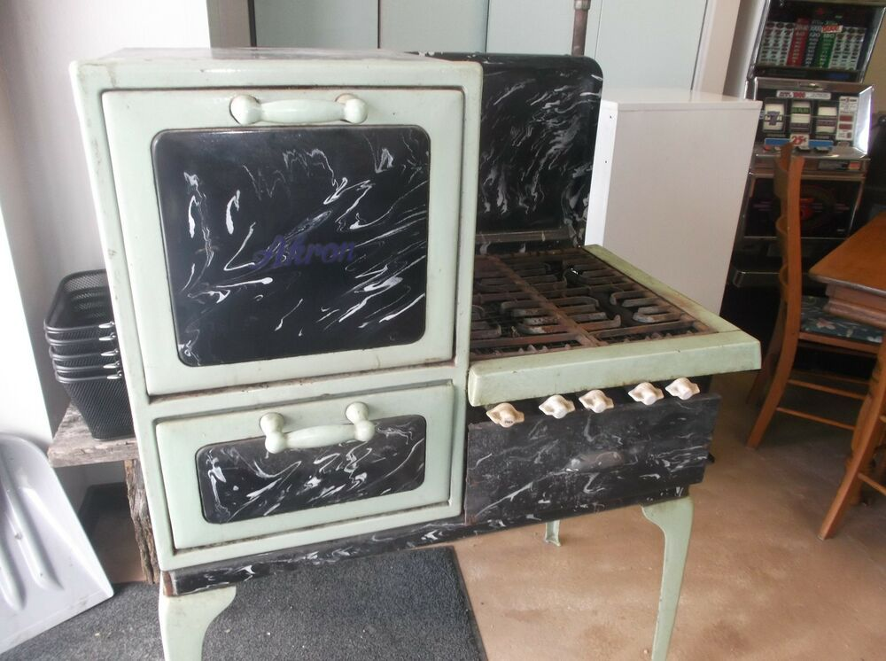 Antique Wincroft Akron Gas Stove Marbled Look For
