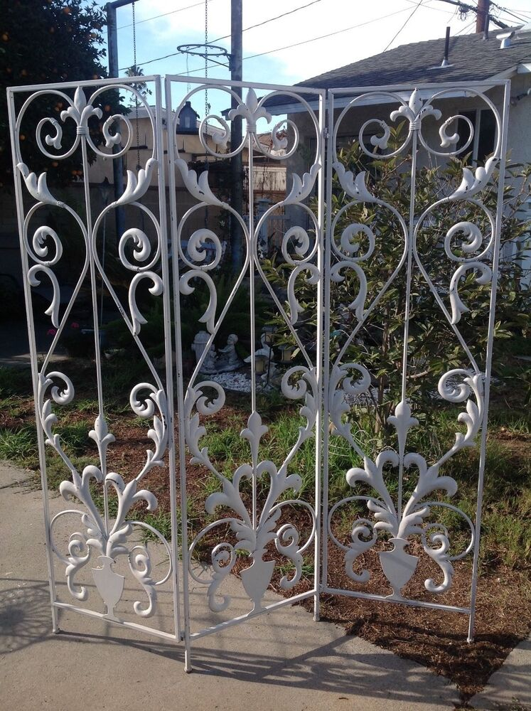 Vintage wrought iron metal tri fold garden screen room for Garden dividers screens