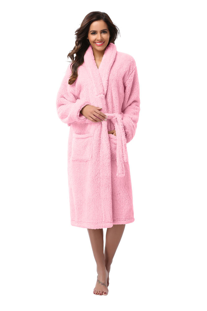 Robes-Wraps. Nighttime and lounging just got a lot more comfortable with ultra lush robes and wraps. From knit kimonos and charmeuse wraps to shawl collar robes and flutter sleeve wraps, you'll discover an incredible range of options to complement your rotation of pajamas and sleepwear.