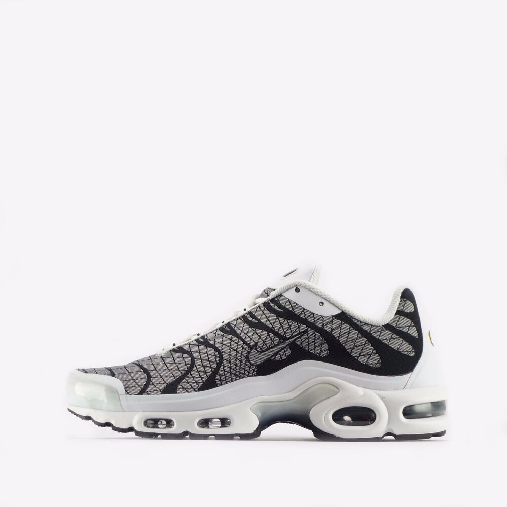 dd437fdbcc Details about Nike Air Max Plus Jacquard TN Tuned Men's Shoes in White/Black