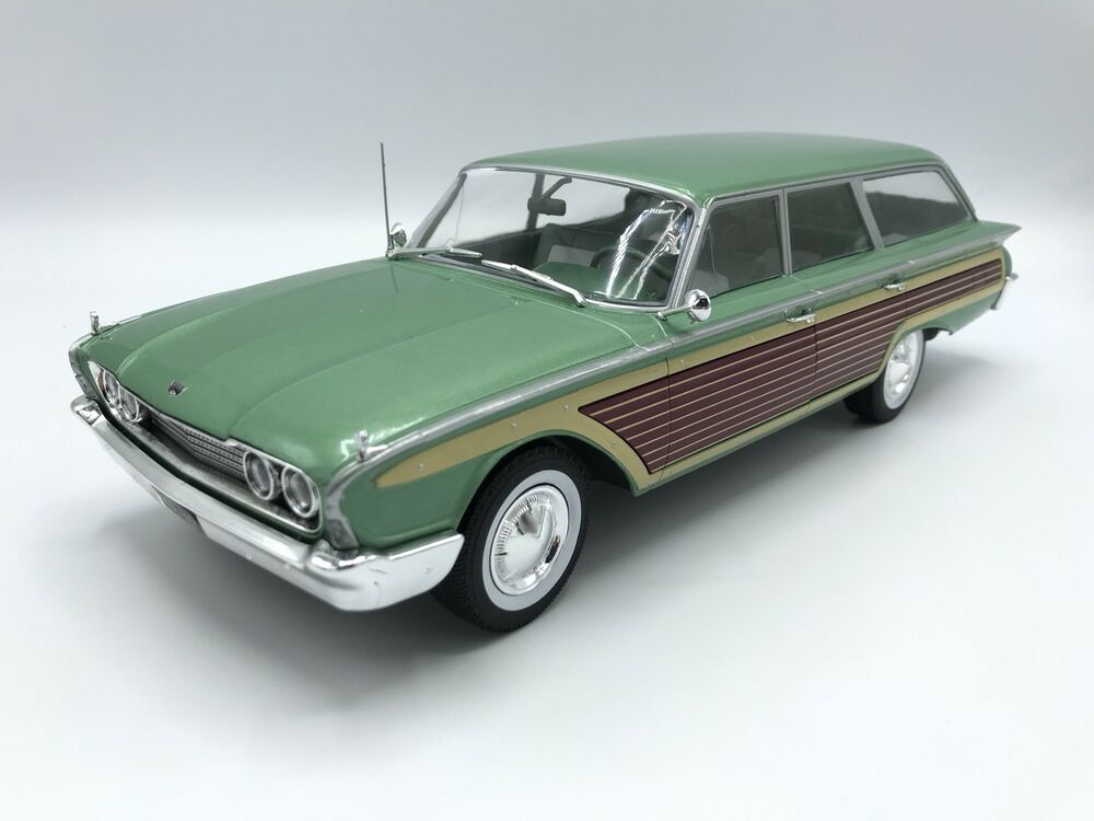 ford country squire 1960 metallic hellgr n holzoptik. Black Bedroom Furniture Sets. Home Design Ideas
