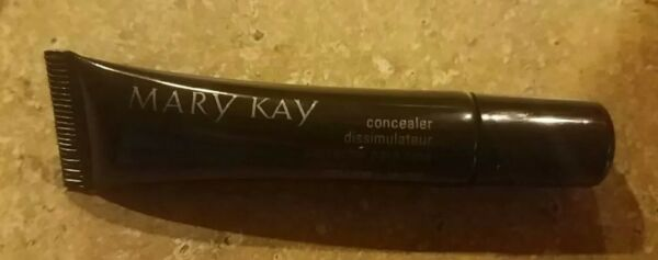 Mary kay Yellow Concealer