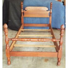 Vintage Maple Pineapple Poster Bed