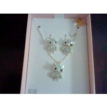 BRAND NEW GIRL'S BEST FRIEND BLUE CRYSTAL OWL NECKLACE AND EARRING SET