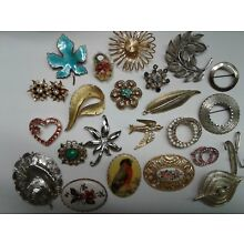 Lot of 30 Vintage Brooches (Added 7)