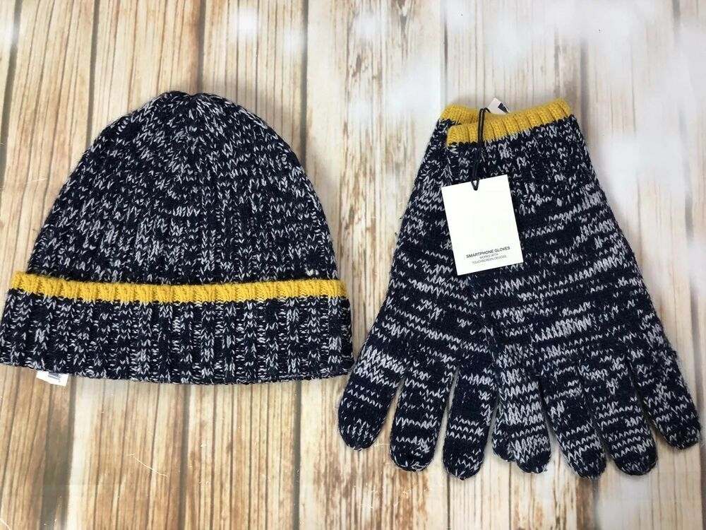 Details about NEW GAP Mens Navy Marled Knit Beanie   Touchscreen Smartphone  Gloves Wool Blend 5527f39dc04